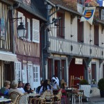 cafe and boutiques